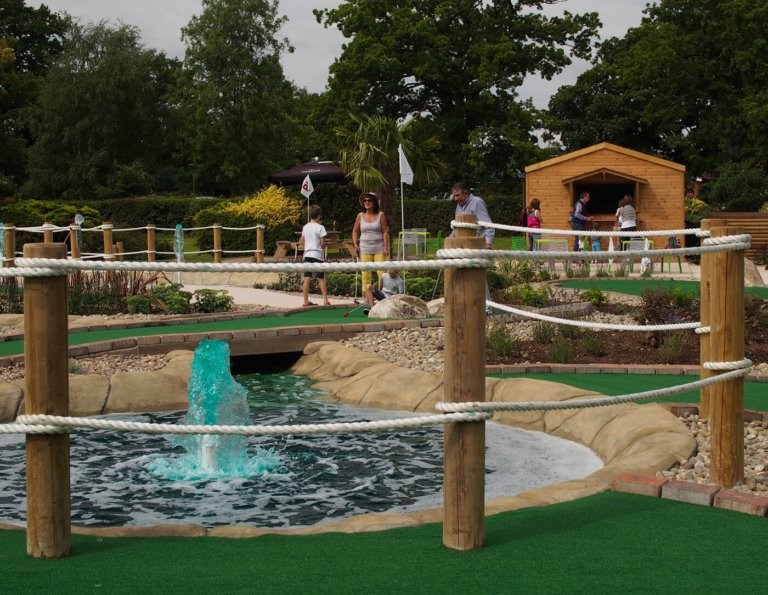 adventure-golf-water