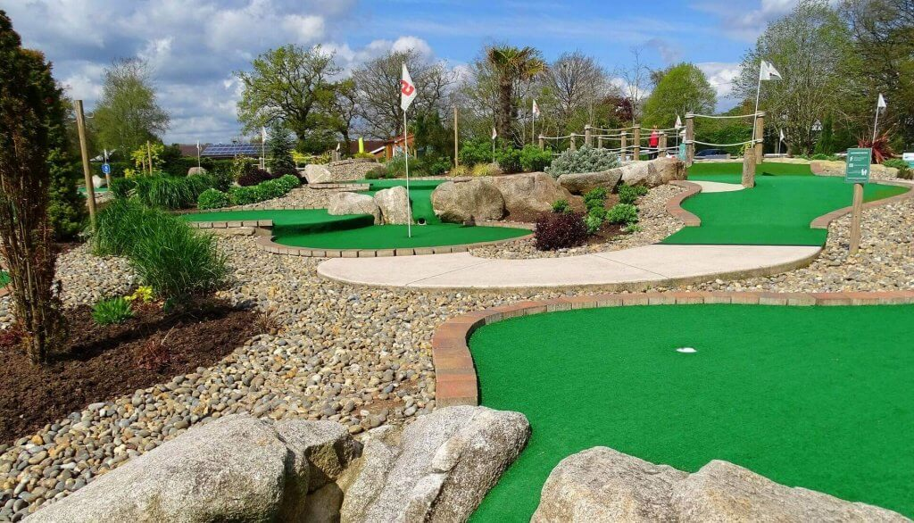 four-ashes-adventure-golf-01-1920-1098