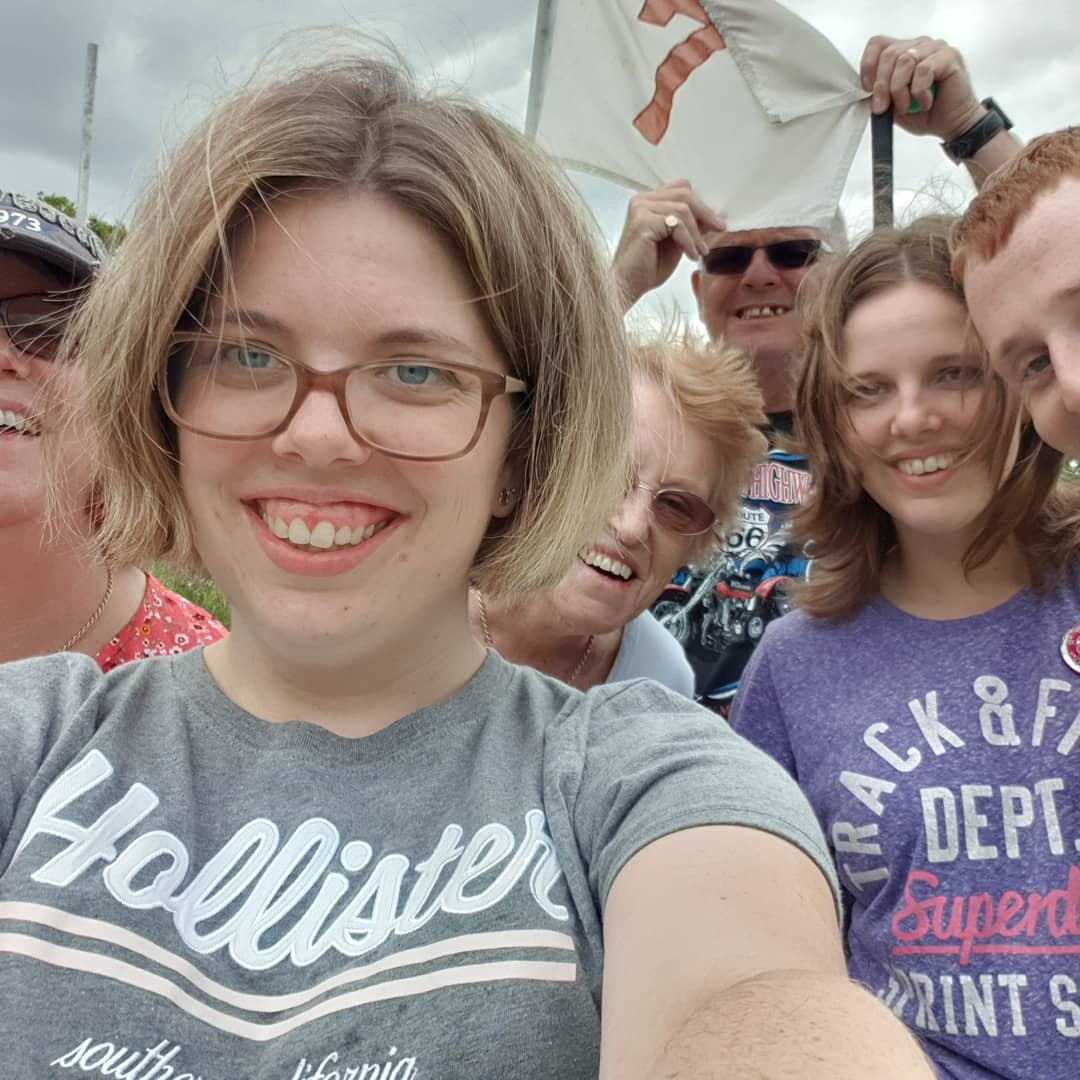 ATTACHMENT DETAILS hayley-selfie-at-the-seventh-four-ashes-july-2019